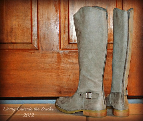 Gray Boots {Shoe Style Saturday}