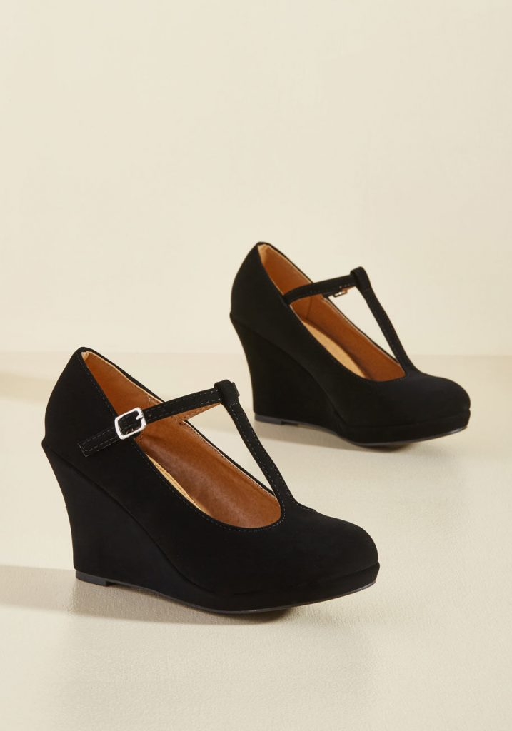 Dashing to Dinner Wedge in Black