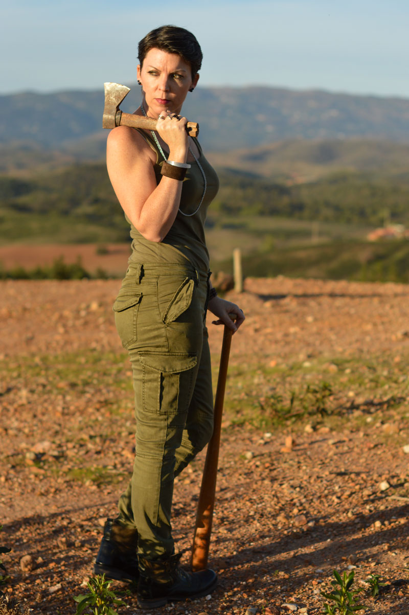Suzy {pixie chick in portugal} Fab Forties Apocalypse
