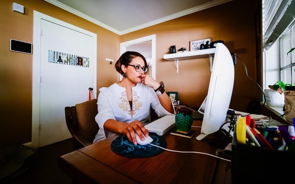 Daenel at My Desk {living outside the stacks}
