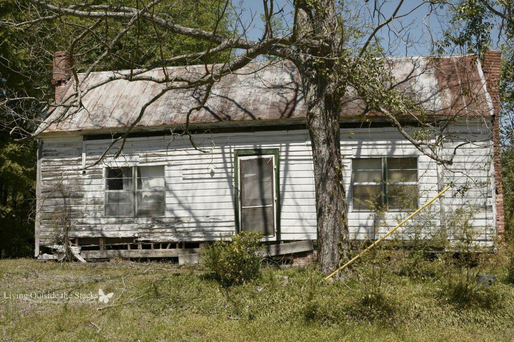 Midway Alabama 1 {living outside the stacks} follow along on Instagram @DaenelT #LOTSAbandonedBeauty