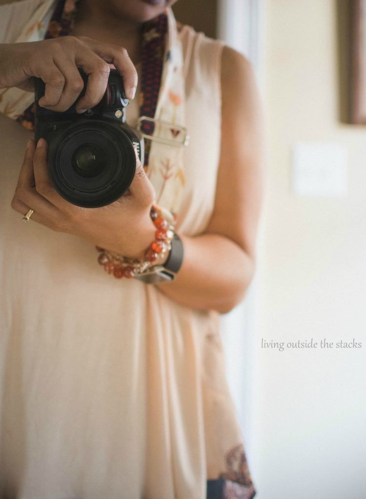 Product Review Chic Threads by Amy Camera Strap {living outside the stacks} #LivingOutsideTheStacks #TeamLOTS
