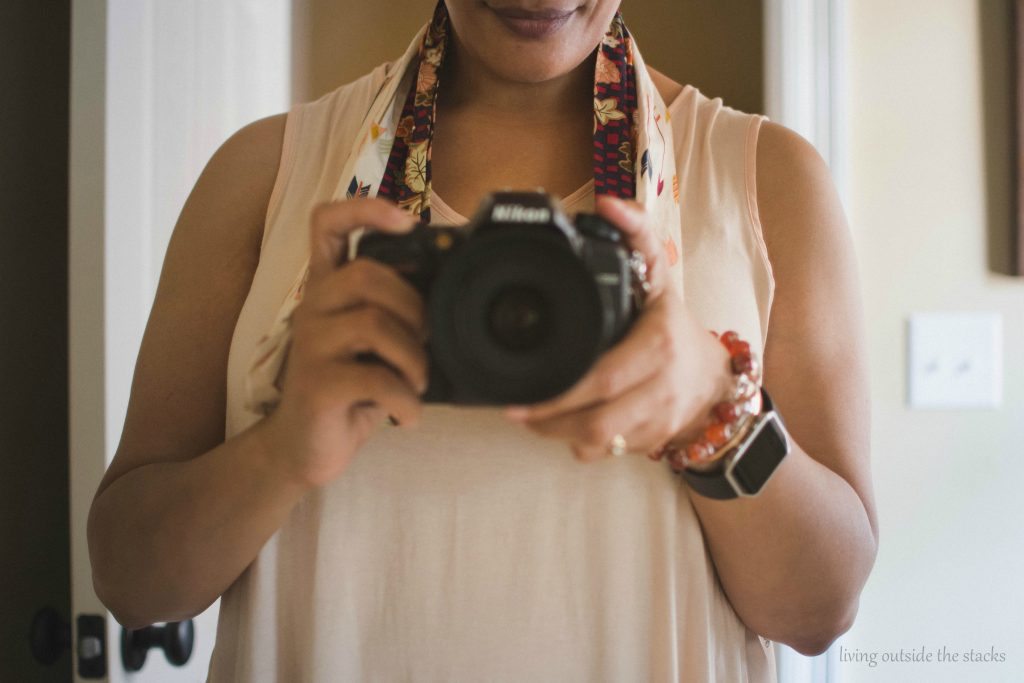 Product Review Chic Threads by Amy Camera Strap with Smile {living outside the stacks} #LivingOutsideTheStacks #TeamLOTS