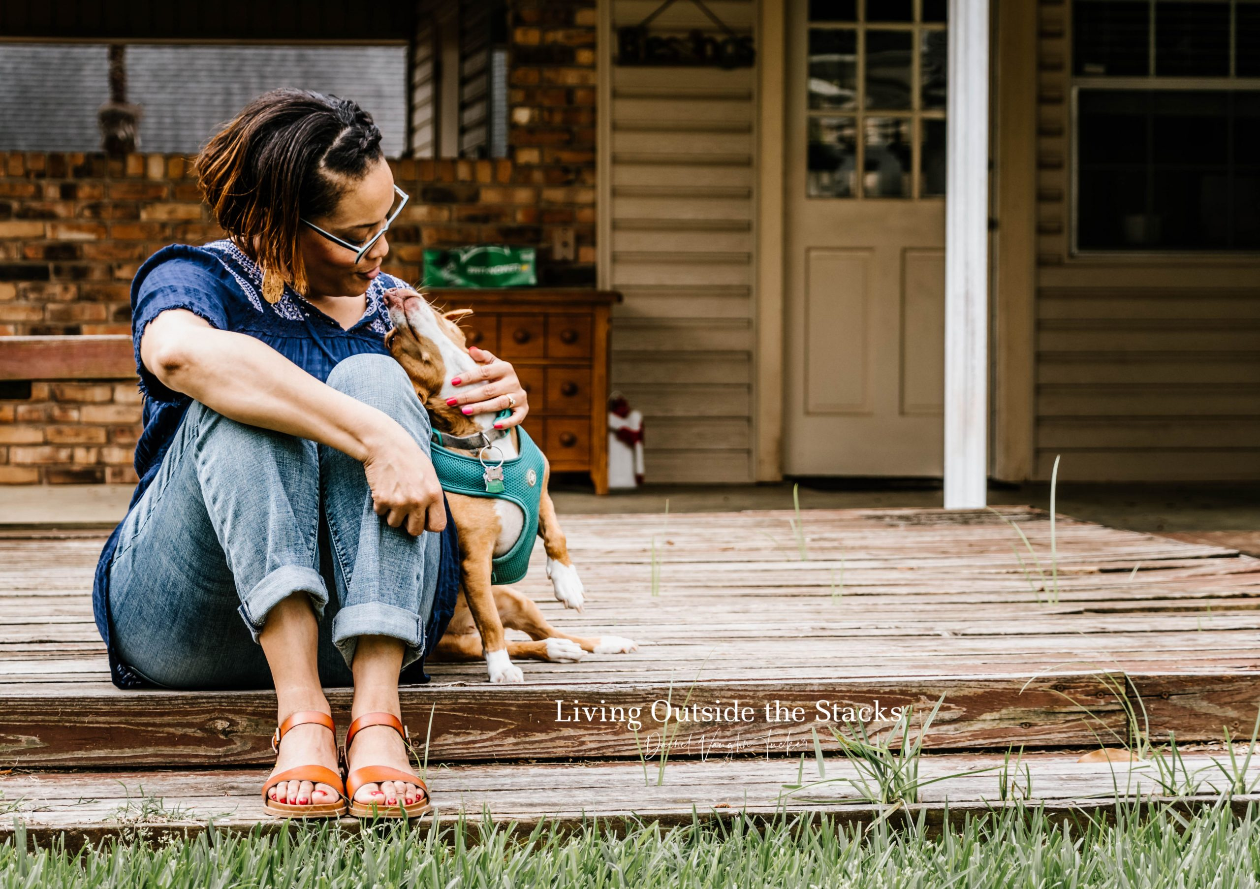 Brown Sandals {living outside the stacks} #ShoeStyleSaturday